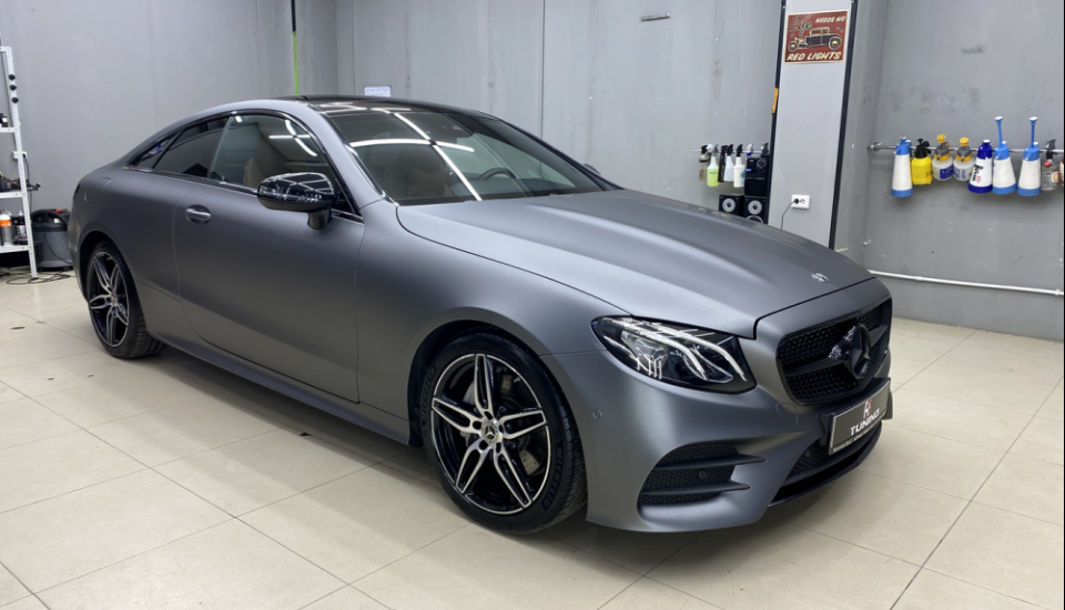 Mercedes E200 Grey satin