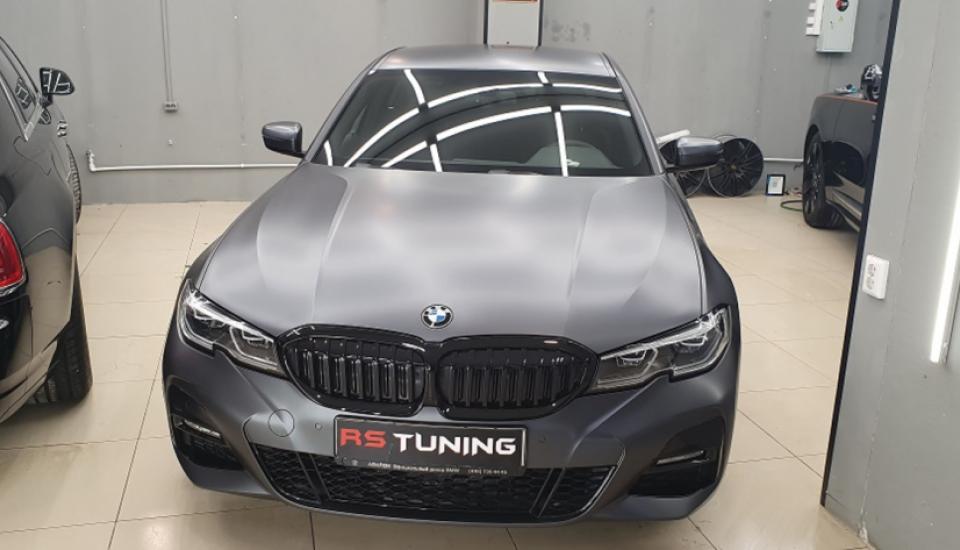 Полная оклейка BMW в прозрачный мат