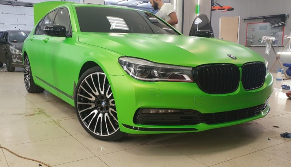 BMW 7 Зеленый мат