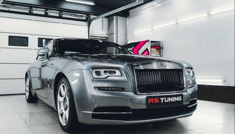 Полная оклейка антигравийной пленкой Rolls Royce Wraith