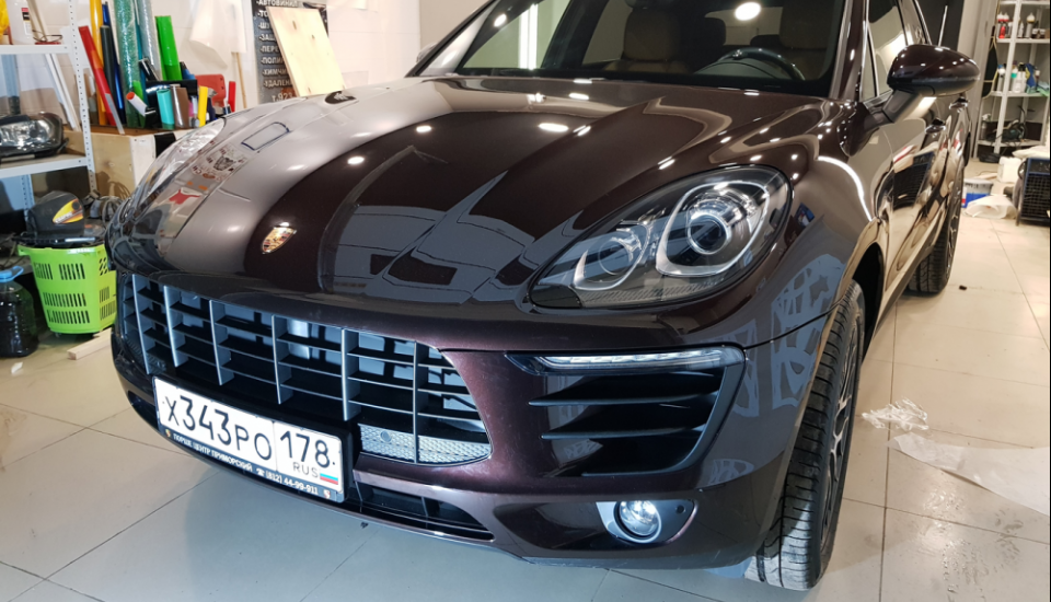 Полная оклейка Porsche Macan пленкой Hexis Bodyfence
